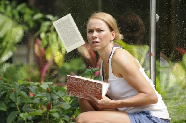 Naomi Watts in The Impossible: just before the wave hits